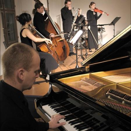 Toby und das 2005er JANUS Ensemble