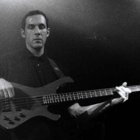 Bassist Rob 2005 in der Moritzbastei
