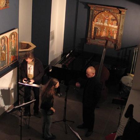 Ein Blick von der Galerie hinab ins Museum