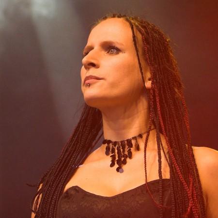 Diana Nagel verstärkt JANUS bei den Festivals