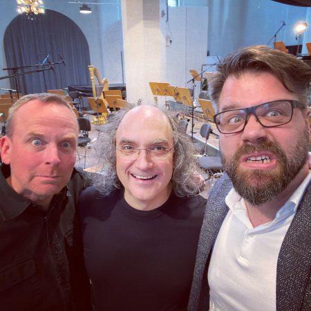 Toby und RIG zusammen mit Dirigent Bernd Ruf.